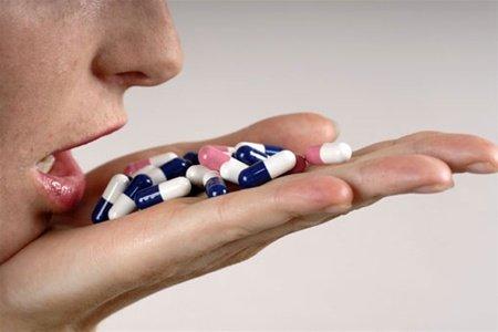 Лекарственные препараты и зависимость от крепких напитков