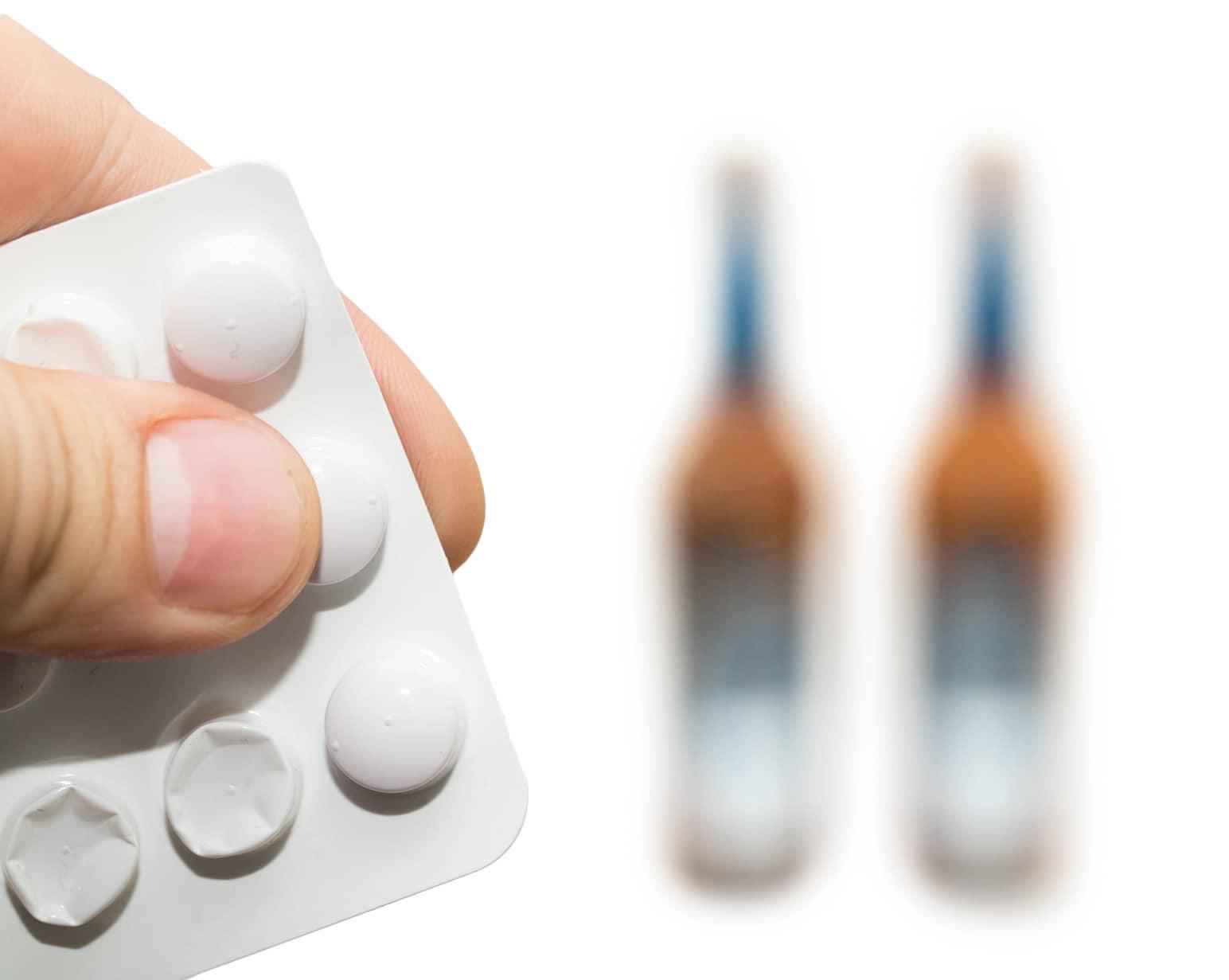 Медикаментозное лечение заболевания, вызванного неконтролируемым употреблением спиртных напитков