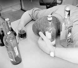 Чрезмерное и длительное употребление спиртных напитков