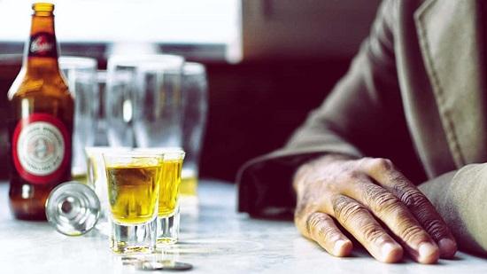 Чрезмерное и бесконтрольное употребление спиртных напитков