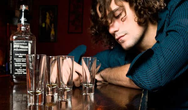 Чрезмерное употребление спиртных напитков