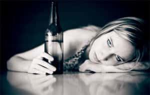 Болезненная зависимость женщин от спиртных напитков
