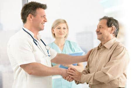 Борьба с «зеленым змеем»: медицинская помощь